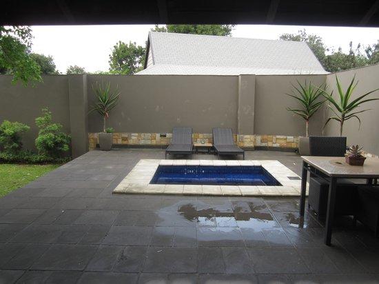 Prana Lodge: Private Plunge pool