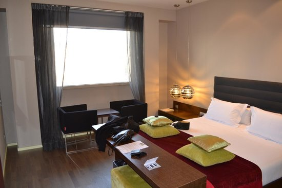 Hotel Olivia Plaza: clean spacious rooms