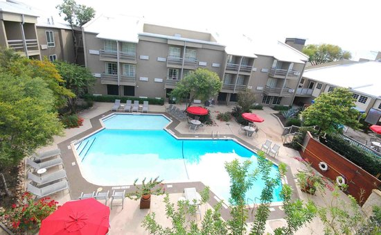 BEST WESTERN PLUS Austin City Hotel: Courtyard Pool
