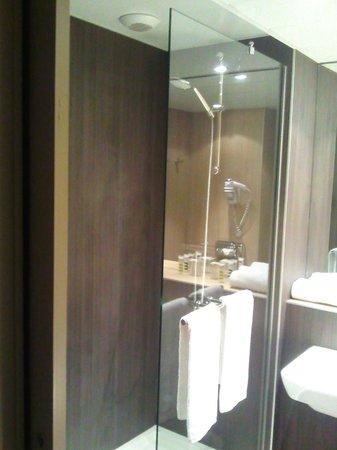 Mercure Versailles Chateau: Salle de bain