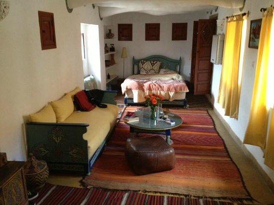 Ryad El Borj: room