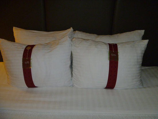 Holiday Inn Atlanta - Perimeter / Dunwoody: Pillows