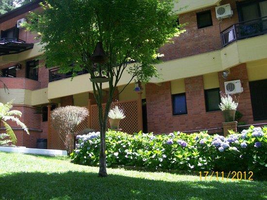 هوتل ريكانتو دا سيرا: área da piscina externa 