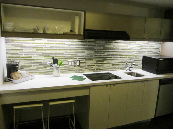 Element Miami International Airport: Full Kitchen
