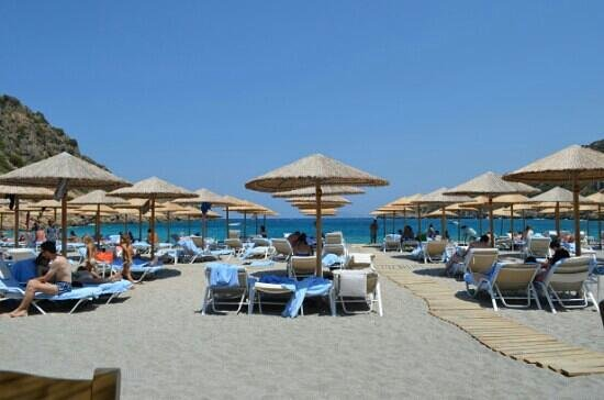 Daios Cove Luxury Resort & Villas: spiaggia