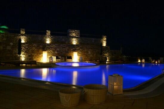 Liostasi Hotel & Suites: piscina