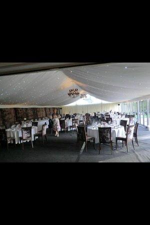 Hogarths Hotel: Great big room for reception