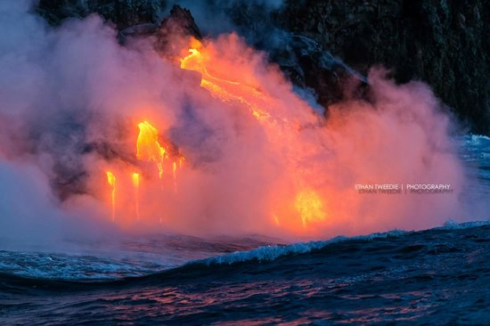 Lava Ocean Tours Inc: Close up of lava entering the ocean