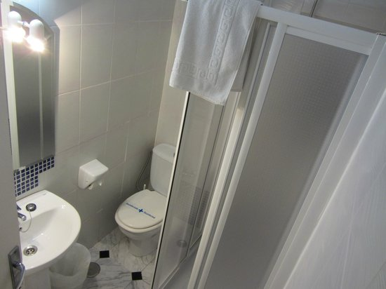 Bed & Breakfast Naranjo: single room ensuite bathroom