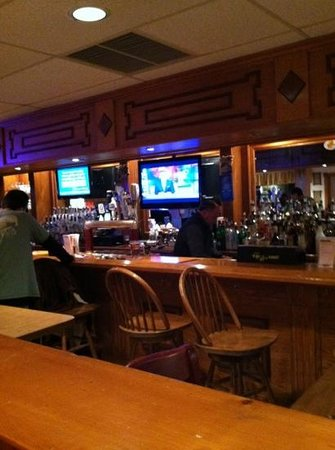 Coyotes Den Pub & Grub: at the bar