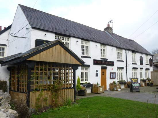 The Raven Inn: Frontage