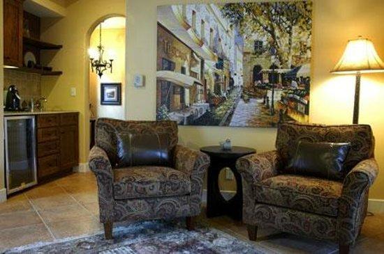 Su Nido Inn - Your Nest In Ojai: Robin Living Room