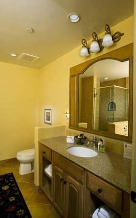 Su Nido Inn (Your Nest In Ojai): Raven Bath
