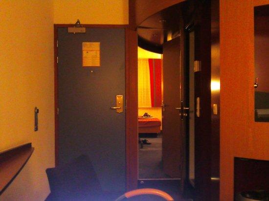 写真スイートホテル パリ ロワシー CDG枚