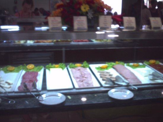Dream Hotel Noelia Sur: selection of cold meats and hams at buffet