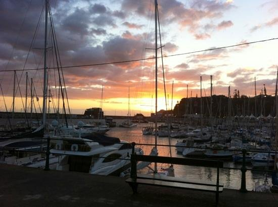 Melia Madeira Mare Resort & Spa: harbour at sunset
