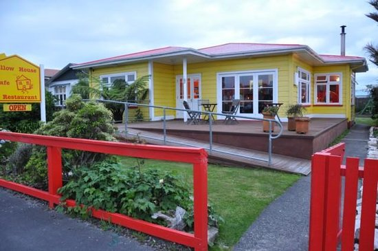 Yellow House Cafe and Restaurant