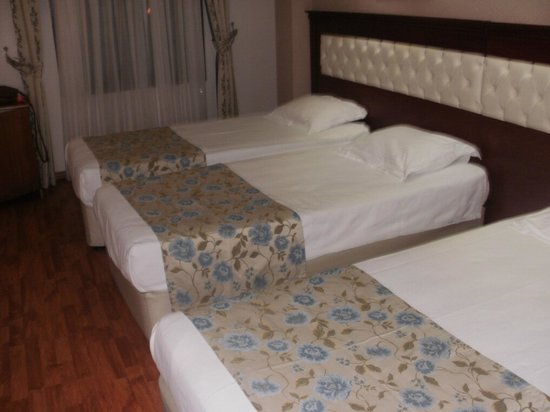 Asur Hotel: Comfy Beds! :)