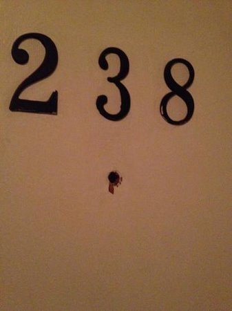 Tahoe Inn: peep hole