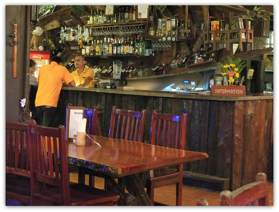 River Kwai Resotel : Le bar