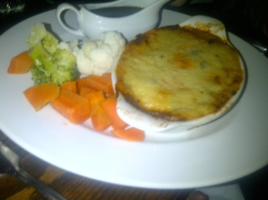 Fox and Hounds: Quorn cottage pie
