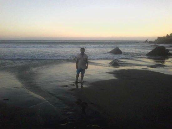 Playa Revolcadero atardeciendo