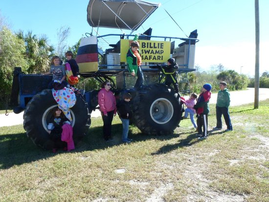 Billie Swamp Safari: Kids on swamp truck