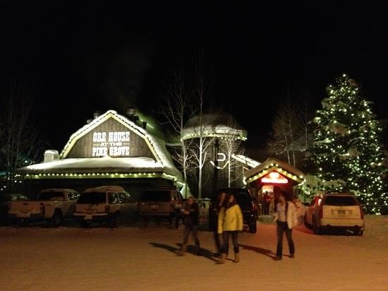 Ore House at the Pine Grove: Ore House decorated for the holidays