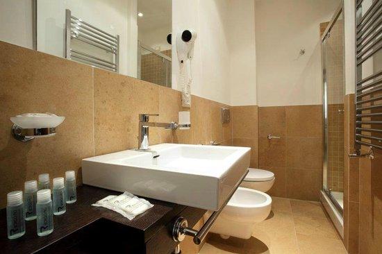 Trianon Borgo Pio Residence: bathroom