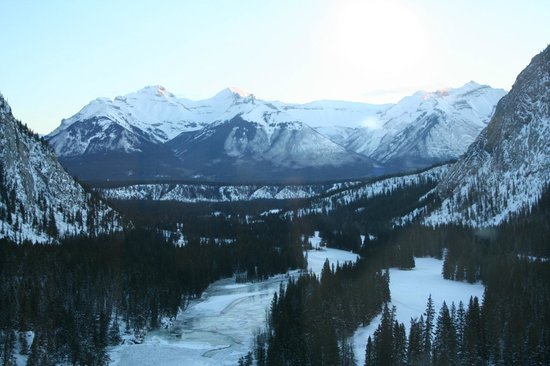 Fairmont Banff Springs: View from 9th floor room