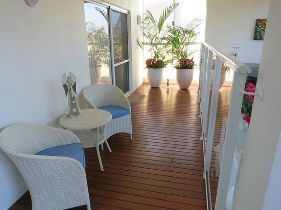 Burns Beach Bed & Breakfast : Outdoor Relaxing Area (Outside South Room)