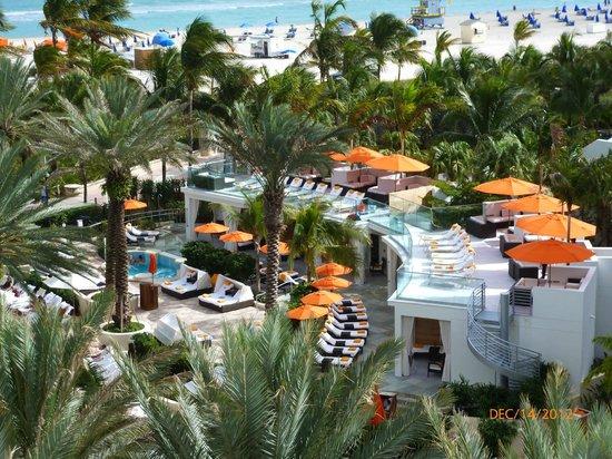 Loews Miami Beach Hotel: Pool Deck from Balcony