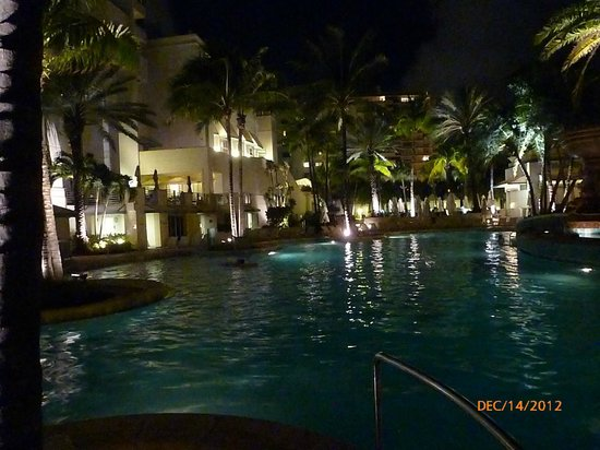 Loews Miami Beach Hotel: Pool at Night