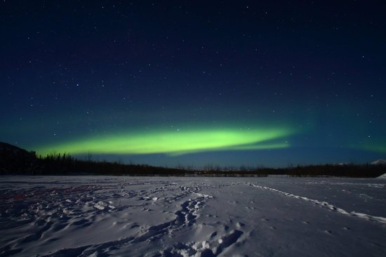 Whitehorse, Kanada: Aurora on 12/21/2012 at 12:30 AM, activity level predicted as 2 by University of Alaska, clear s