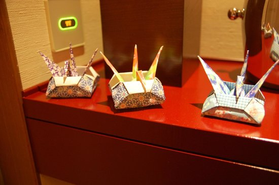 The Peninsula Tokyo: Cranes that came with room service