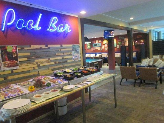 บุราส่าหรี รีสอร์ท: Pool Bar
