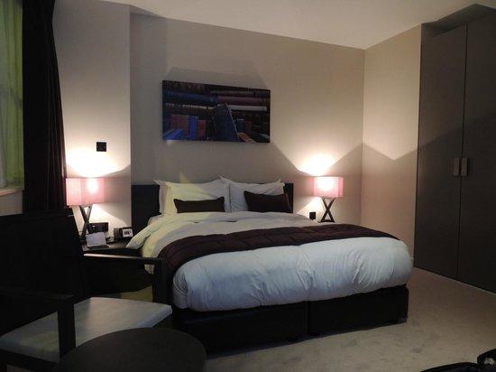 Hotel Xanadu: room