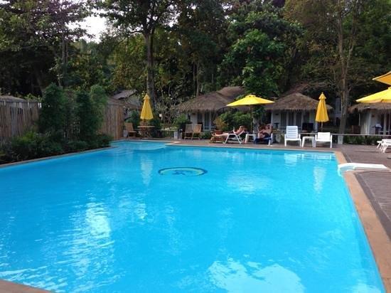 Vongdeuan Resort: Pool