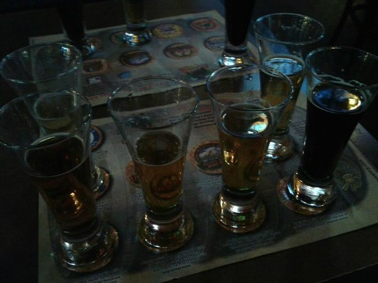 Smoky Mountain Brewery & Restaurant: Beer Sampler and beer map