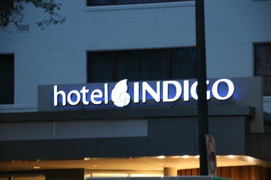 هوتل إنديجو نيو أورلينز جاردن دستركت: Front of hotel 