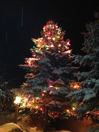 Woodloch Pines Resort: Merry Christmas and Happy New Year!