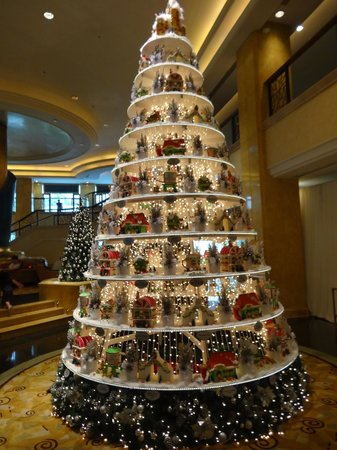 shangri la hotel kuala lumpur beautiful christmas decorations