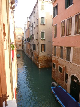 Palazzo Paruta: Canal view from window