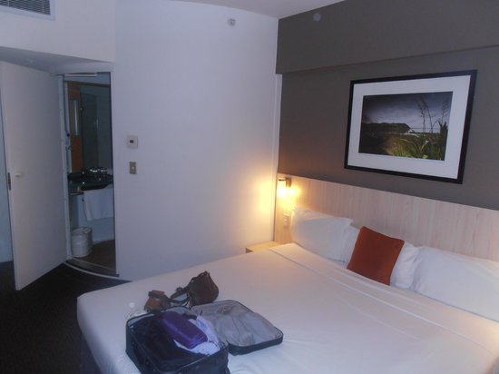 Novotel Auckland Ellerslie Hotel: The bedroom for one