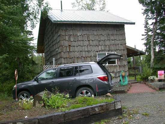 Escape For Two: Moose cabin exterior