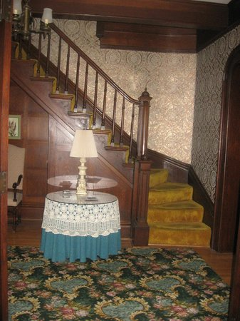 The Holley Rankine House: entry hall stairs to rooms