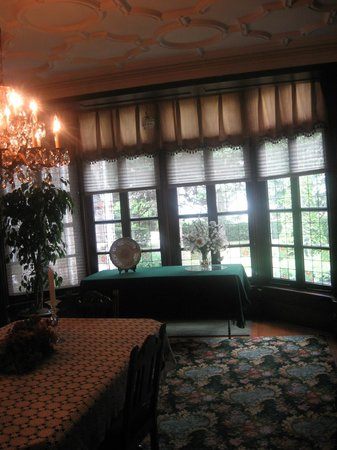 The Holley Rankine House: view out dining room windows