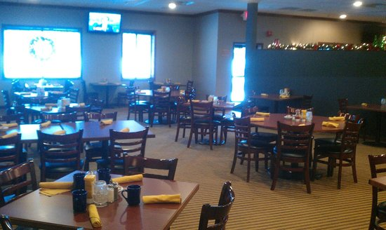 Four Points by Sheraton Kalamazoo: Restaurant main eating area