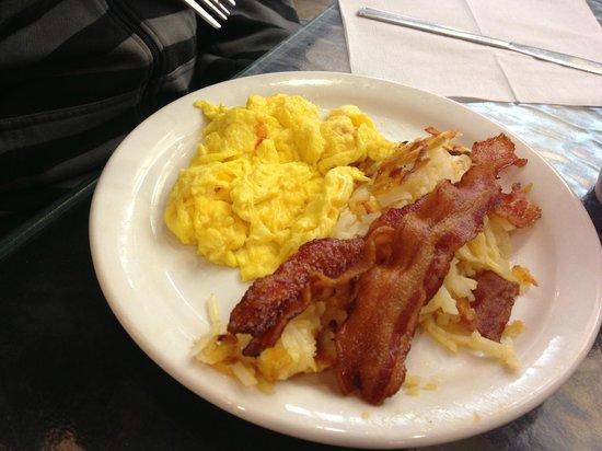BEST WESTERN PLUS Palm Desert Resort: One choice for breakfast