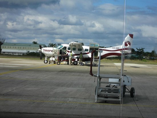 Grand Caribe Belize Resort and Condominiums: The plane to San Pedro